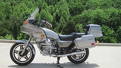 GL 500 SILVER WING '82